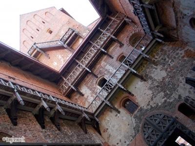 トゥラカイ城 宮殿 回廊