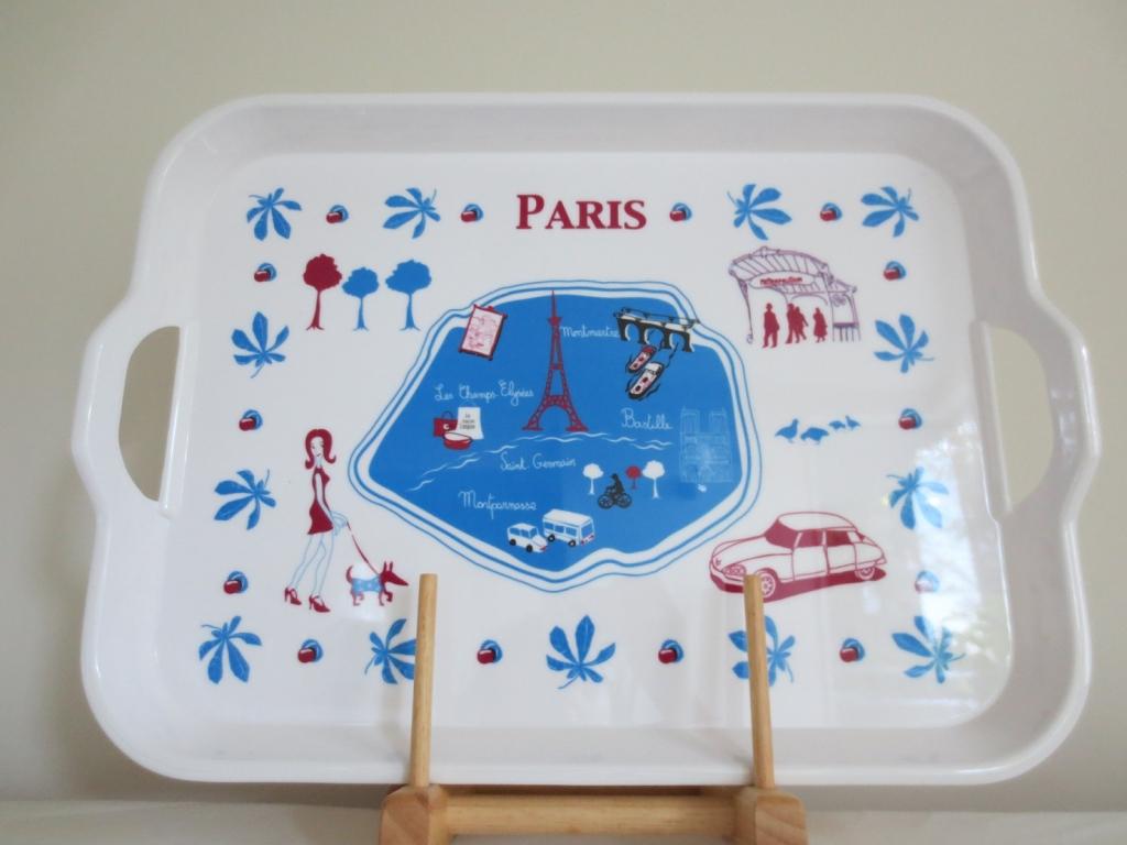 ラ・シェーズ・ロング La Chaise Longue のパリの地図のトレイ