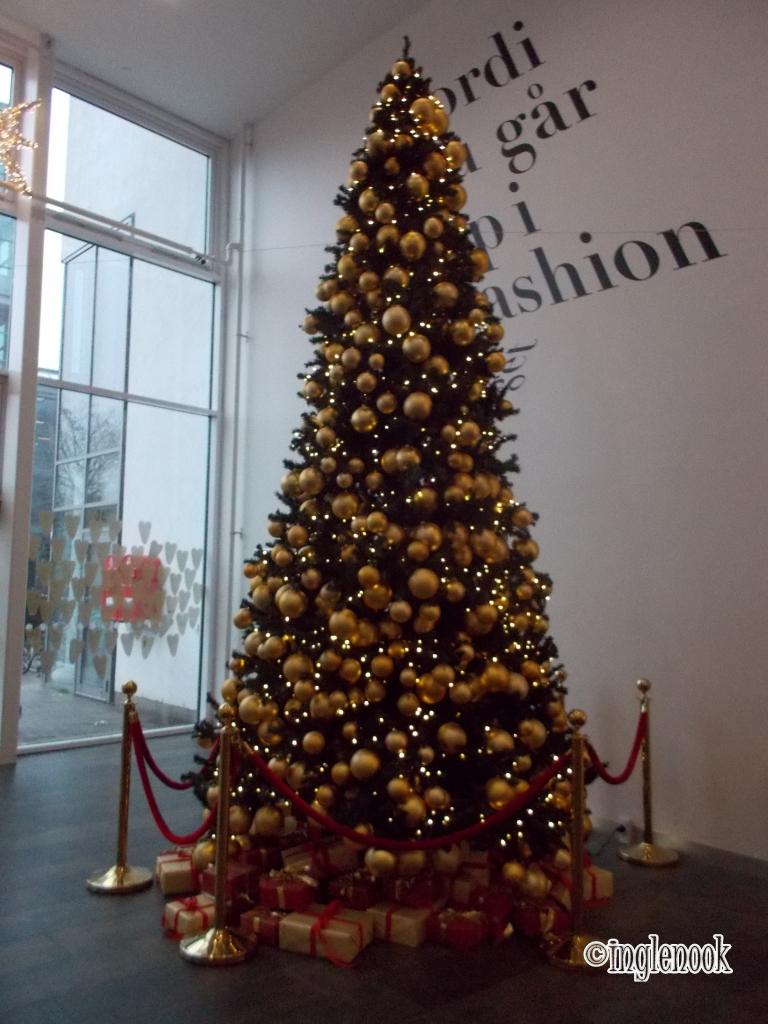 FRB.C Shopping  クリスマスツリー
