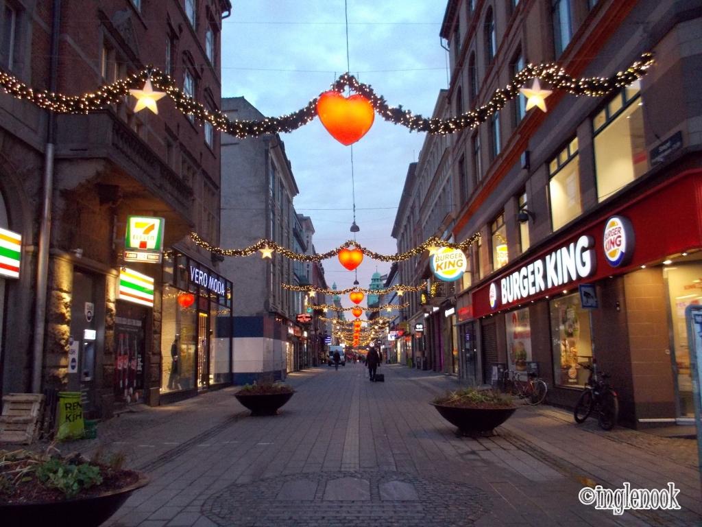 赤いハート クリスマス イルミネーション ストロイエ コペンハーゲン