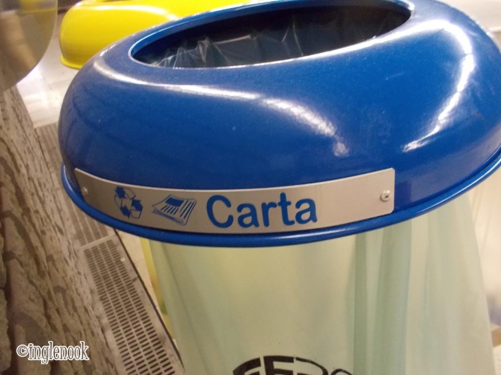 ゴミ箱 ミラノ イタリア リサイクル 分別