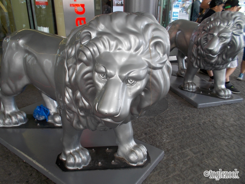 ふたごのライオン像 銀行 ミュンヘン シルバー