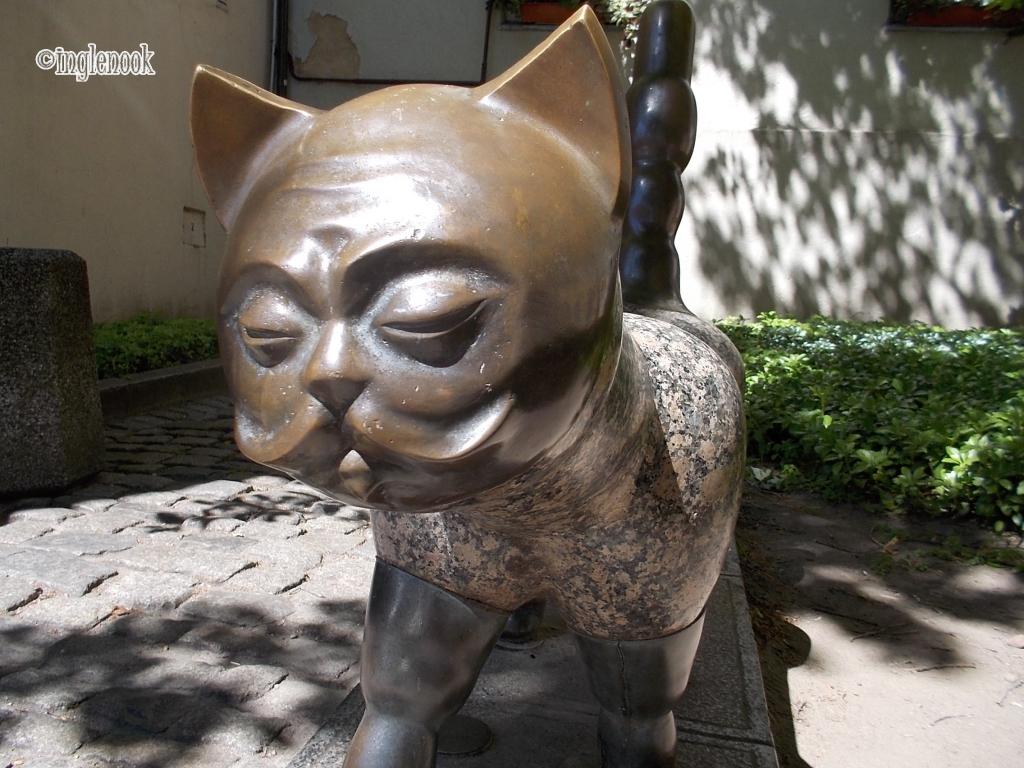 クライペダ 旧市街 紳士の顔をした猫 像 しっぽ 願いがかなう