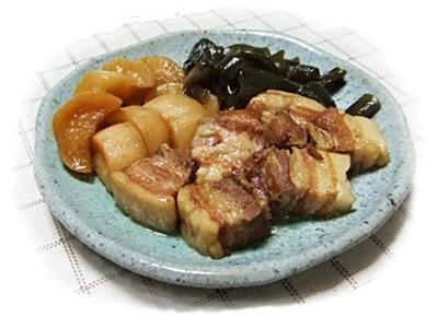 豚バラと大根と昆布の煮物