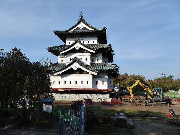 弘前城は引っ越し中