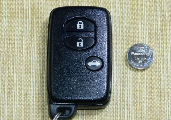SAIのスマートキーバッテリー交換( CR1632 )