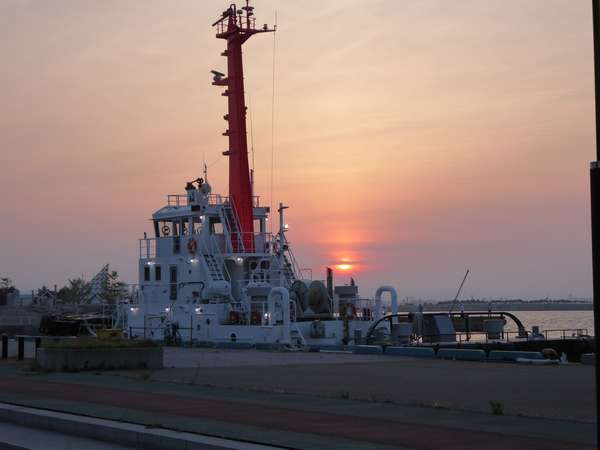 02 青森中央埠頭の夕日