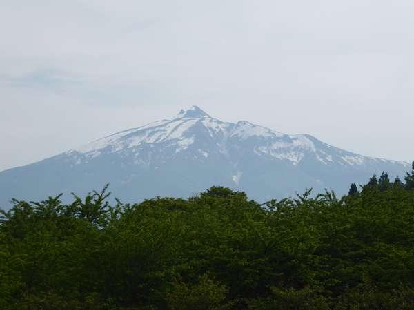 08 鶴の舞橋から岩木山