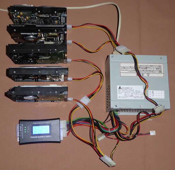 3-負荷としてHDDを5つ接続