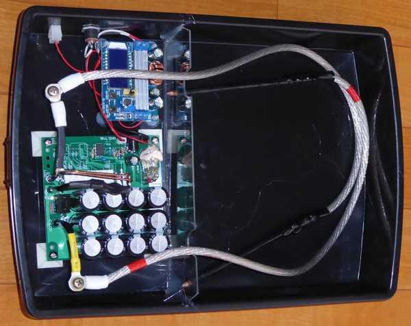 スポット溶接機4号、ケースにアクリル板で仕切りを設けました