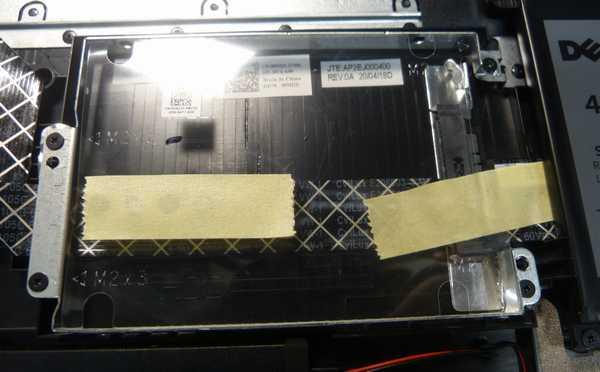 HDDマウンタ、SATAコネクタ付属してました(^_^)