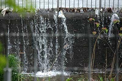 水の流れ込むベルマウス16年4月17日