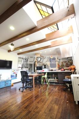 まるでカフェのようなおしゃれな空間♪LDKは17帖以上!