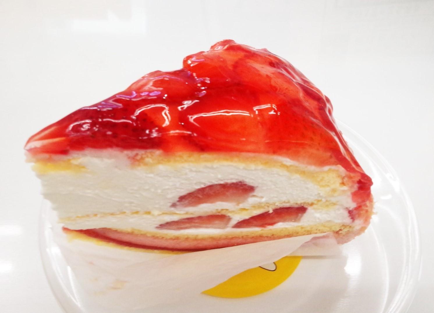 誕生日にもらったおいしそうなイチゴのケーキ!!!