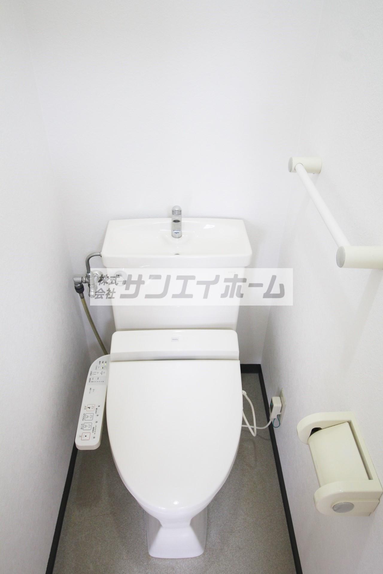 バストイレ別で、お手洗いはウォシュレット♪冬だっておしりはあったかい♪