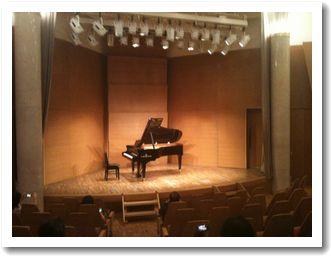 ピアノコンクール会場