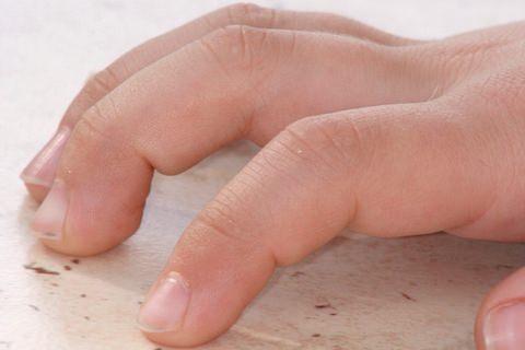 小さい子どものペタペタくねくねの指