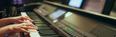 電子ピアノの写真