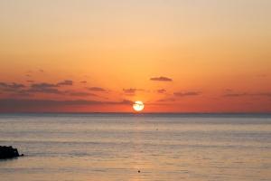浜比嘉大橋から見た日の出