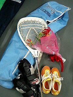 クロスとケースとグローブと靴。とお花。