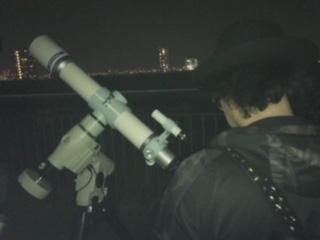 望遠鏡とロアさん。