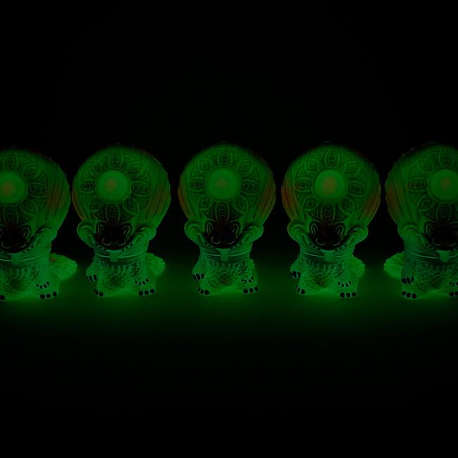 蓄光闇に光るおばけギョグラの画像