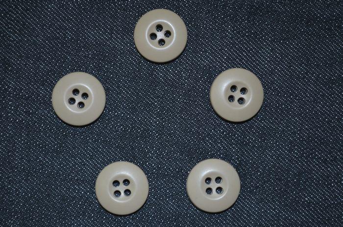 米軍実物 デザートカモBDUジャケット・パンツ用 ミルスペックボタン5個セット ベージュ USED極上品の画像