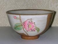 勅題茶碗 粉引き 菊月椿