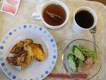 24朝フレンチトースト・野菜サラダ・紅茶・コーヒー
