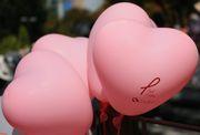 ピンクのハート風船