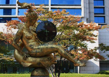 阪神淡路大震災記憶の時計マリーナ像