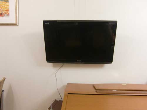 壁つりTV1