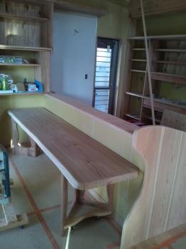 福島県相馬の木造りの家|移動式テーブル