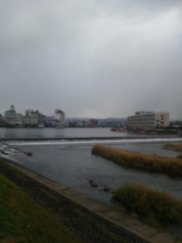 福島県相馬の木造りの家|大分県日田市の三隈川