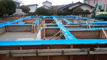 基礎工事|吹き抜けのあるオープン空間で家族がつながる住まい