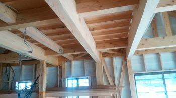 骨太構造-柱・大梁-|吹き抜けのあるオープン空間で家族がつながる住まい-福岡県西区-