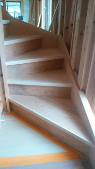 手作り階段|吹き抜けのあるオープン空間で家族がつながる住まい-福岡県西区-