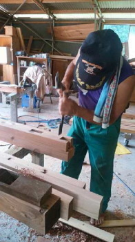 ウッドデッキ用の材を加工中!|ランドリースペースのある快適な住まい-福岡県小郡市-