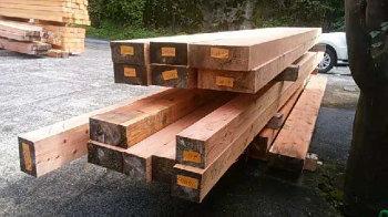 木材選木|玄関が2つ 3世代が絆を育む 同居型二世帯住宅 -大分県日出町-