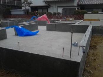 基礎工事|玄関・浴室を共有 限られた敷地に実現した二世帯住宅-福岡県太宰府市-