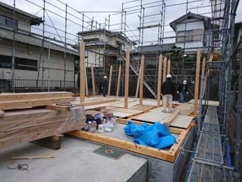 今日から建て方!|玄関・浴室を共有 限られた敷地に実現した二世帯住宅-福岡県太宰府市-