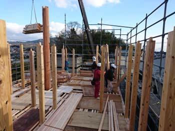 建て方!|玄関・浴室を共有 限られた敷地に実現した二世帯住宅-福岡県太宰府市-