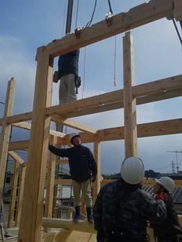 建て方二日目|セルロースファイバーを採用!吹抜けのある長期優良住宅-福岡県筑紫野市-