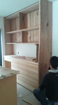 手作り家具|玄関・浴室を共有 限られた敷地に実現した二世帯住宅-福岡県太宰府市-