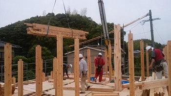 今日から建て方始めてます!|こんな家に住みたい!夢をかなえた本物の自然素材の家-福岡県糟屋郡-