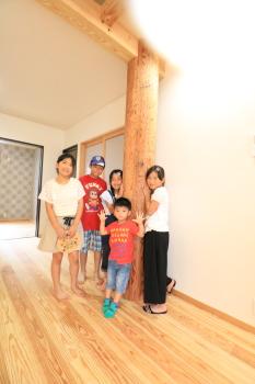 完成見学会|玄関・浴室を共有 限られた敷地に実現した二世帯住宅-福岡県太宰府市-