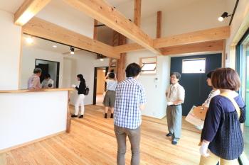|玄関・浴室を共有 限られた敷地に実現した二世帯住宅-福岡県太宰府市-