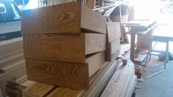 大型のオリジナル食器棚の製作加工中!