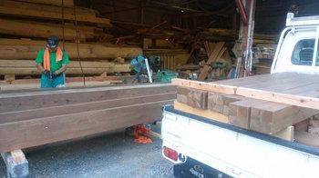 山荘の階段と玄関ポーチの改築工事!