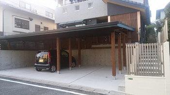 手作りガレージ工事 完成!|玄関・浴室を共有 限られた敷地に実現した二世帯住宅-福岡県太宰府市-